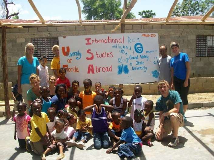 We teamed up with the kids to paint murals for the new school we helped build in Navarrete. July 2013