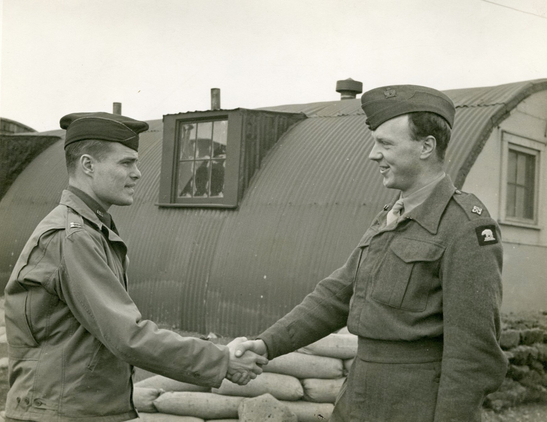 Ralph handshake with another soldier