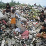 2.1312180122.children-of-the-dumpsite