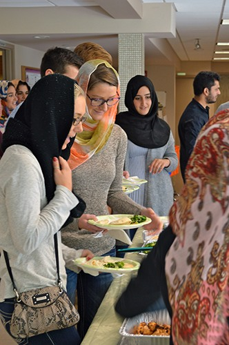 Students Tour Mosque for Community Engagement Project