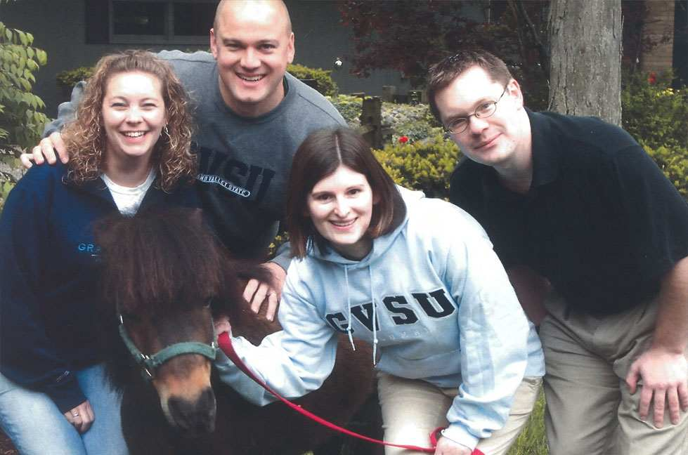 4 interns with mini horse