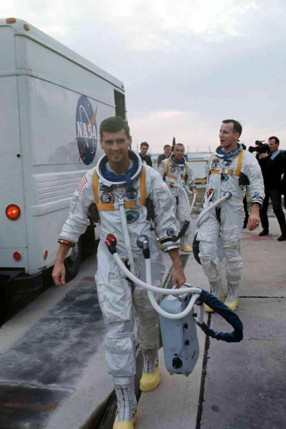 astronauts apollo 1 - 662×1024