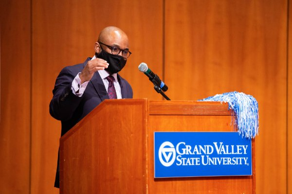 Donta Truss, vice president for Enrollment Development, speaks at a November event for first-generation students.